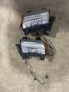 2018 - 2020 Jeep Wrangler JL LED Gladiator Fender  Turn Signal Lights OEM