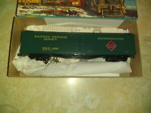 Athearn HO Scale 5336 Railway Express 50 FT Express Reefer Excellent REX 1268