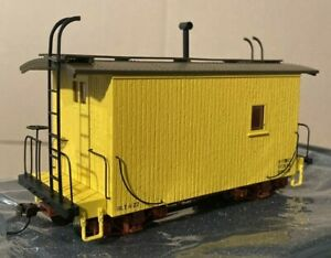 BACHMANN NARROW GAUGE. On30. 18' LOGGING CABOOSE. YELLOW - DATA ONLY. # 26563.