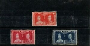 A LOVELY 1937 NEW ZEALAND MINT SET OF 3 CORONATION STAMPS