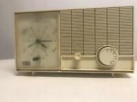 Arvin Clock Radio Model 55R07 55R08