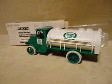 QUAKER STATE MOTOR OIL #2 1926 MACK  STOCK #9196 ONLY 2,520 MADE RARE FIND