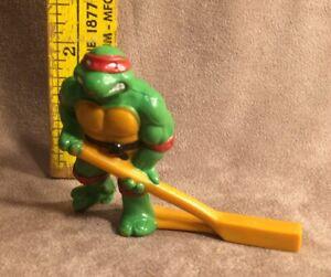 Vintage Remco TMNT Ninja Turtles 1990 Subterranean Sewer Hockey RAPHAEL PVC