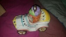 VINTAGE RETRO ? PIGGY POTTERY FROG IN A CAR CERAMIC LAMP / NIGHT LIGHT