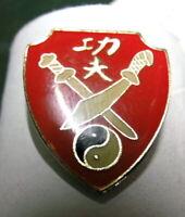 Kung Fu Pin Anstecker Tai Chi Yin Yang Schwert
