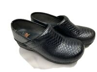Dansko XP Clogs Anaconda Snake Skin Womens Size 40 US 8-8.5 Black Nurse Shoes
