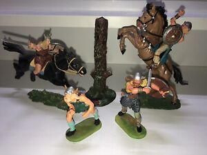Elastolin 7cm Konvolut Wikinger mit Pferden und Baumstamm