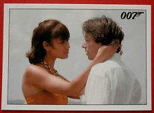 JAMES BOND - Quantum of Solace - Card #020 - Greene Calls Her Bluff