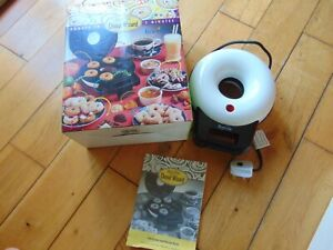 BREVILLE DONUT WIZARD Donut Maker In Minutes Snack Making MACHINE Boxed See Pics