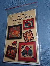 Sewing Pattern: In The Garden Patch by Linda Aiken, Pumpkins, Hand Appliqued