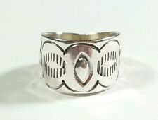 NAVAJO SIGNED F L STERLING SILVER ETCHED DESIGNS BAND SIZE 7.5 RING