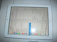 Apple iPad 3rd Gen. 64GB, Wi-Fi + Cellular (Unlocked), 9.7in - White**CRACKED***