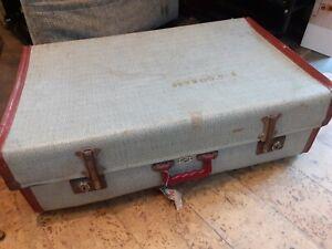 Vintage 1950's Foxcroft Suitcase Extendable Hinges
