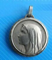 """Jolie médaille """"Notre Dame de Lourdes"""" / Réf 1726"""