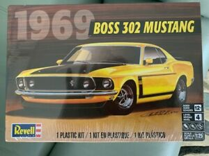 REVELL 302 1969  BOSS MUSTANG MODEL KIT PRICED TO SELL SCALE 1/25 NEW & SEALED