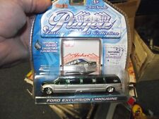 Maisto 1/64 Playerz Ford Excursion limousine green & silver NIB