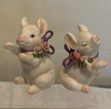 "Vintage Pair of Lefton Pigs With Flowers Sir Lanka 4"" tall 3.5"" wide Figurines"