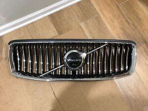 2019-2020 VOLVO XC90 OEM RADIATOR UPPER GRILLE  USED