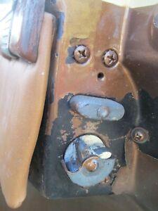 48 49 50 PACKARD 4 DOOR RIGHT PASSENGER REAR BACK DOOR LATCH LOCK ASSEMBLY