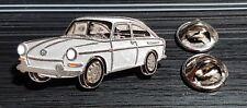 Volkswagen VW pin typ 3 Hatchback 1600 Plateado - maße 39x19mm