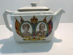1935 Ringtons Teapot for King George V & Queen Mary's Silver Jubilee