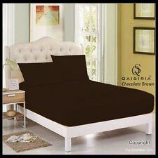 Draps-housses marron pour le lit en 100% coton