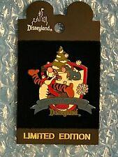 Disney Dl - 2000 - Pooh's Very Merry Holiday w/Tigger & Eeyore Le Pin Moc