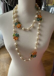 VINTAGE CHANEL 1994 PEARL GRIPOIX GLASS FLOWER NECKLACE