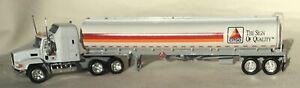 Matchbox Collectibles - CCY11-M, Mack CH600 Citgo Tanker high detail with COA