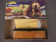 HO SCALE ATHEARN UNDECORATED (ORANGE/BLACK) 40' STEEL REEFER KIT