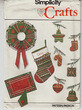 Retro Christmas Stocking Wreath Ornaments Simplicity Sewing Pattern 9034 Uncut