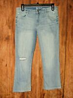 Gap Crop Kick Womens Size 14/32R Light Wash Denim Jean Distressed Ankle Pants
