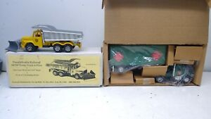 Lot of NEW-O Scale Model Railroad Diecast Vehicles-PRR Snowplow-RARE-REA TT-O197