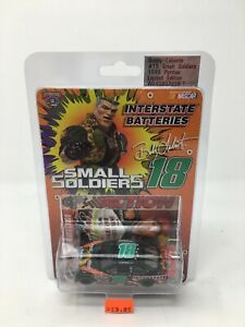 ACTION 1/64 BOBBY LABONTE #18 SMALL SOLDIERS / INTERSTATE 1998 PONTIAC DIECAST