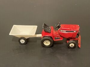 International Cub Cadet 682 Lawn and Garden Tractor with Blade & Cart 1/16 Scale