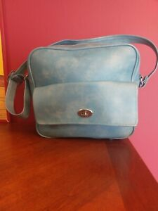 Vintage 70s three star luggage overnight bag light blue- Excellent condition!