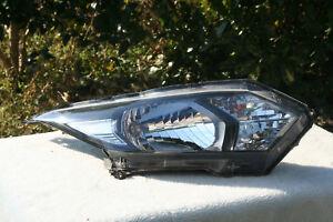 Honda HRV VEZEL RU   Headlight Right Japan