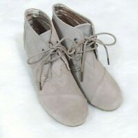 Toms Wedge Booties Womens Size 6.5 Lace Up Suede Leather Tan Ankle Boots EUC