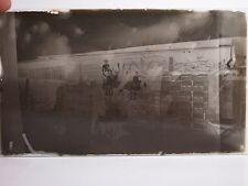 GLASS NEGATIVE PHOTO SLIDE CHILDREN ON BRICKS BRICKLAYER DETAILED OLD PICTURE NR