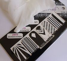 "Nail Art Self Adhesive Full Nail Polish Wrap Sticker ""Black White Zig Zag"" 1030"