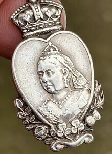 A NICE QUALITY SOLID SILVER QUEEN VICTORIA DIAMOND JUBILEE FOB / MEDALLION, 1896