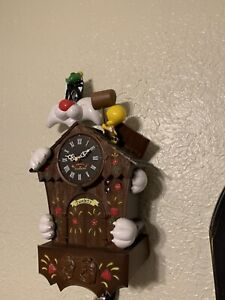 EXTREMELY RARE Looney Tunes Sylvester and Tweety Moving Talking Cuckoo Clock