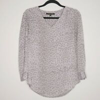 Cinthia Steffe V-Neck Grey Animal Print Size Small Long Sleeves Womens Tops