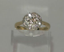 BEAUTIFUL 18CT GOLD DIAMOND CLUSTER RING