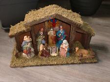 Schöne Komplett-Set Weihnachtskrippe + 8 Figuren Weihnachten Krippenstall Holz