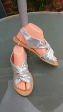 GORGEOUS SILVER FLAT SANDALS NEW SIZE 5