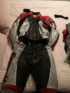 womens Kawasaki motorbike Leathers red/black/silver   size 40