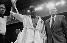 Old Boxing Photo Evander Holyfield Celebrates Winning Against Pinklon Thomas