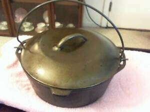 """CAST IRON LARGE DUTCH OVEN MARKED """"8 DO D"""" LID MARKED """"10 1/4  8"""" GOOD ++ COND."""