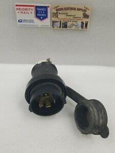 Hubbell HBL2721SW  30A  250V Watertight Twist-Lock Plug 3 Pole 4 Wire(BOX#F)